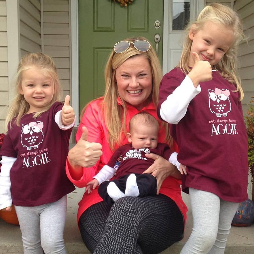 Gig 'em! Photo of family