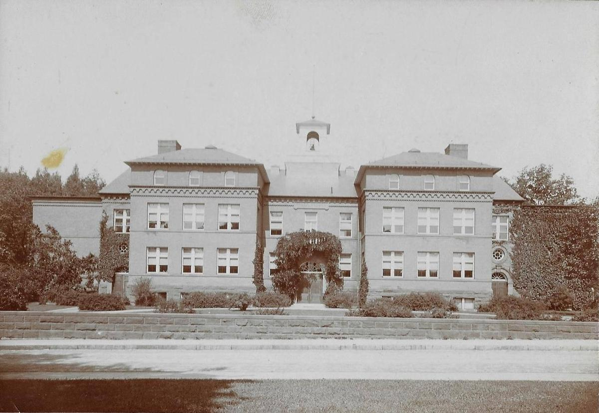 historic photograph of Salem Elementary
