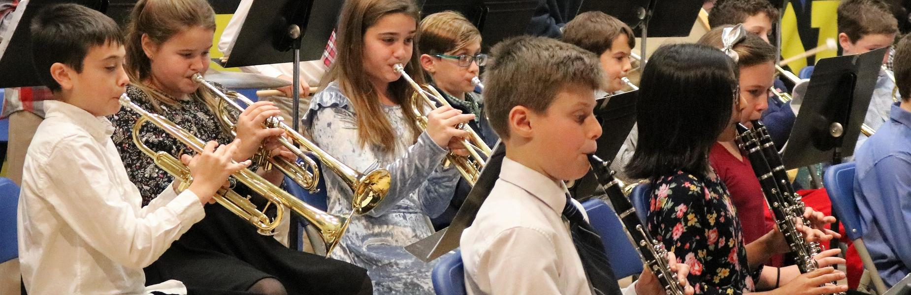 Photo of Franklin 5th grade band during winter concert.