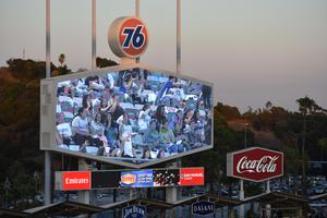 VAHS Students and Simons Middle School go to Dodgers Game!
