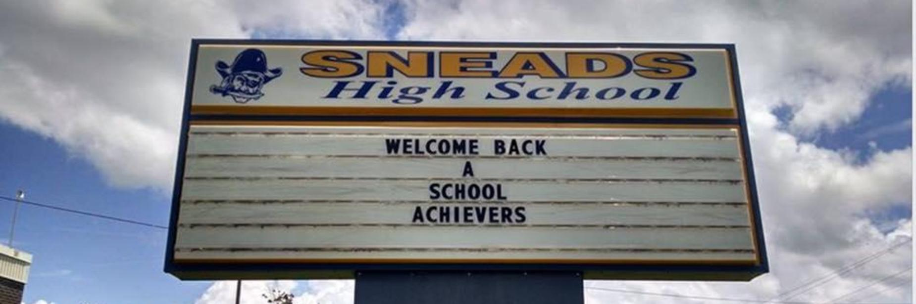 Sneads High School Sign