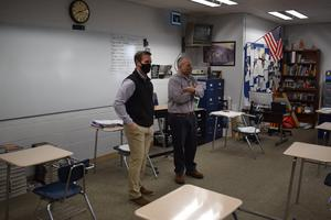 Congressman Rodney Davis speaking to Mr. Reels' US History class