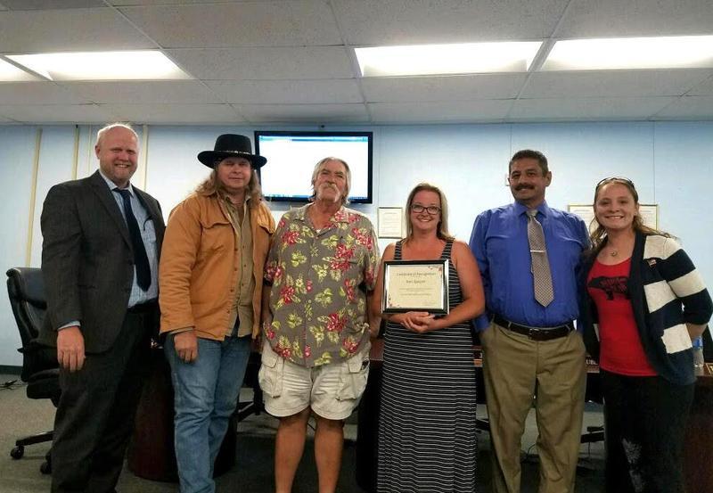 Volunteer Keri Gasper recognized during school board meeting Featured Photo