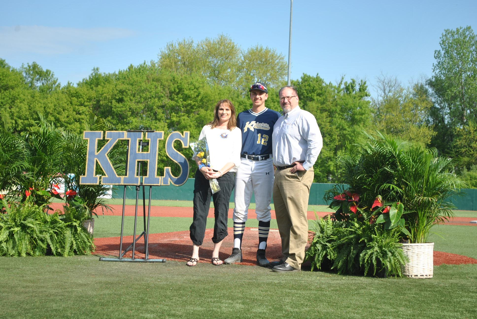 Pic of Lance Cotton and parents