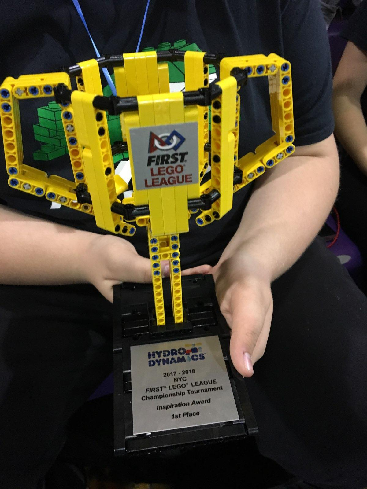 STEM Engineering - Photo - Lego Trophy