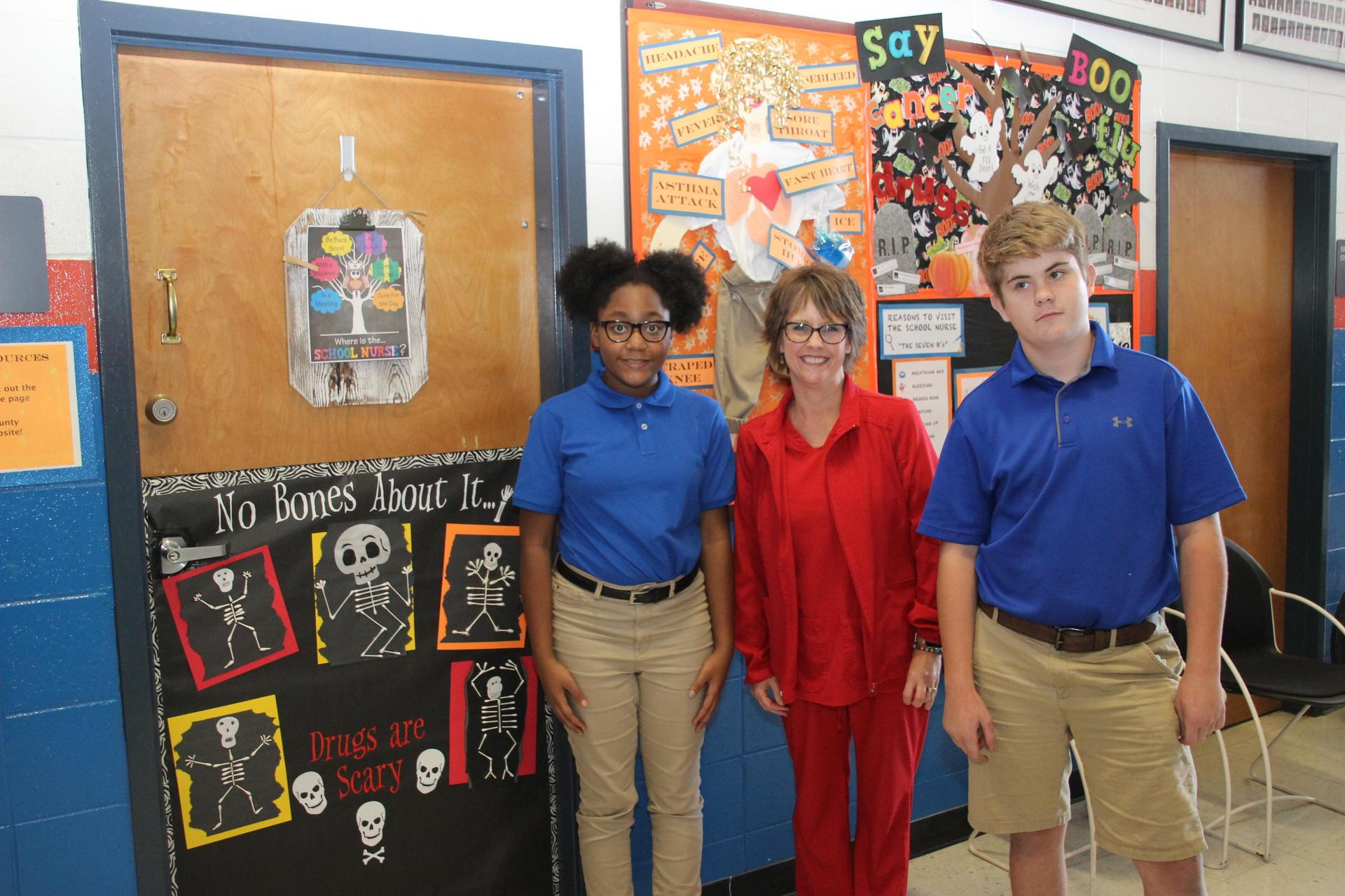 Red Ribbon Week 2019 Nurse and Students