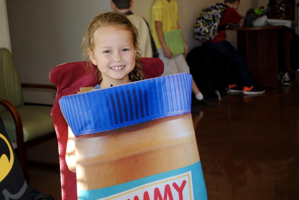 Student dressed up as peanut butter and jelly.