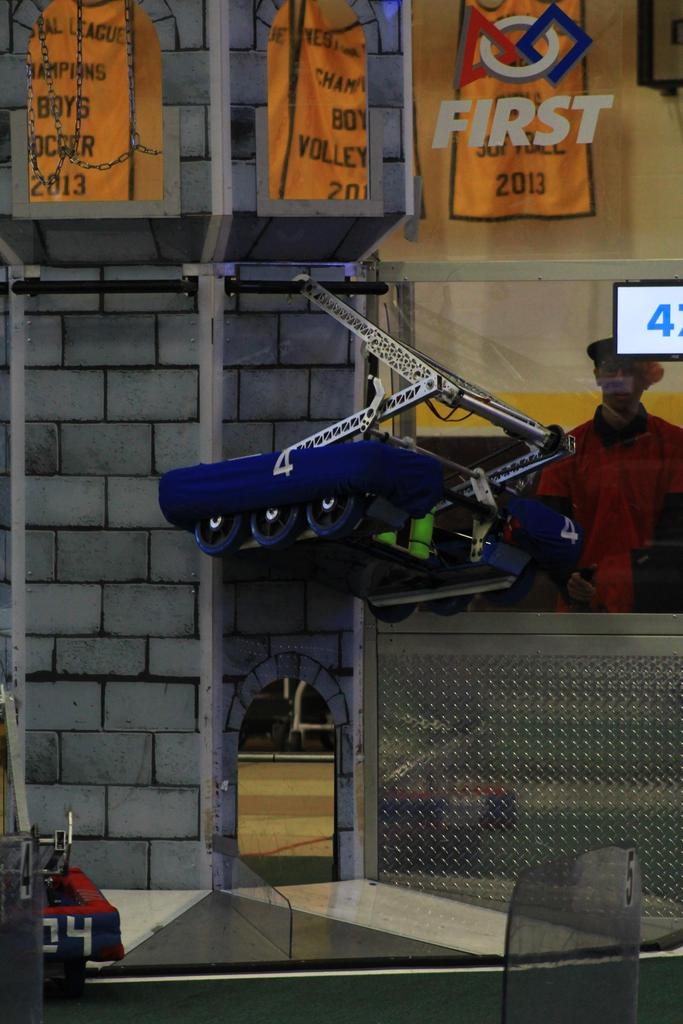 Main robot hanging