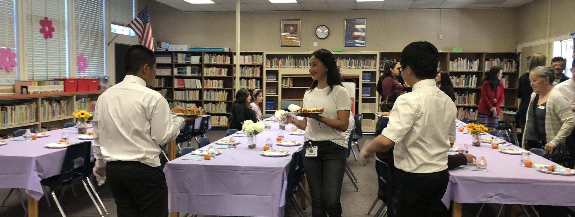 Marguerita student volunteers during lunch event