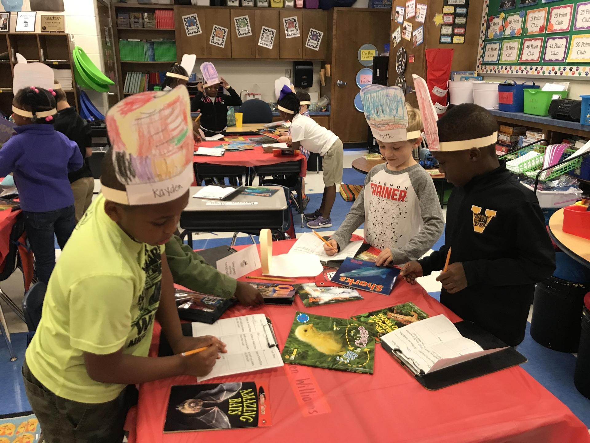 Students collaborating during reader's workshop