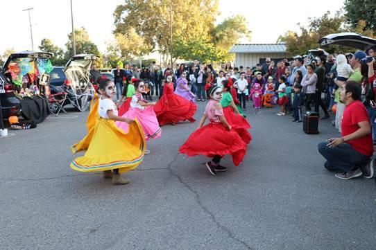 Students dancing folklorico