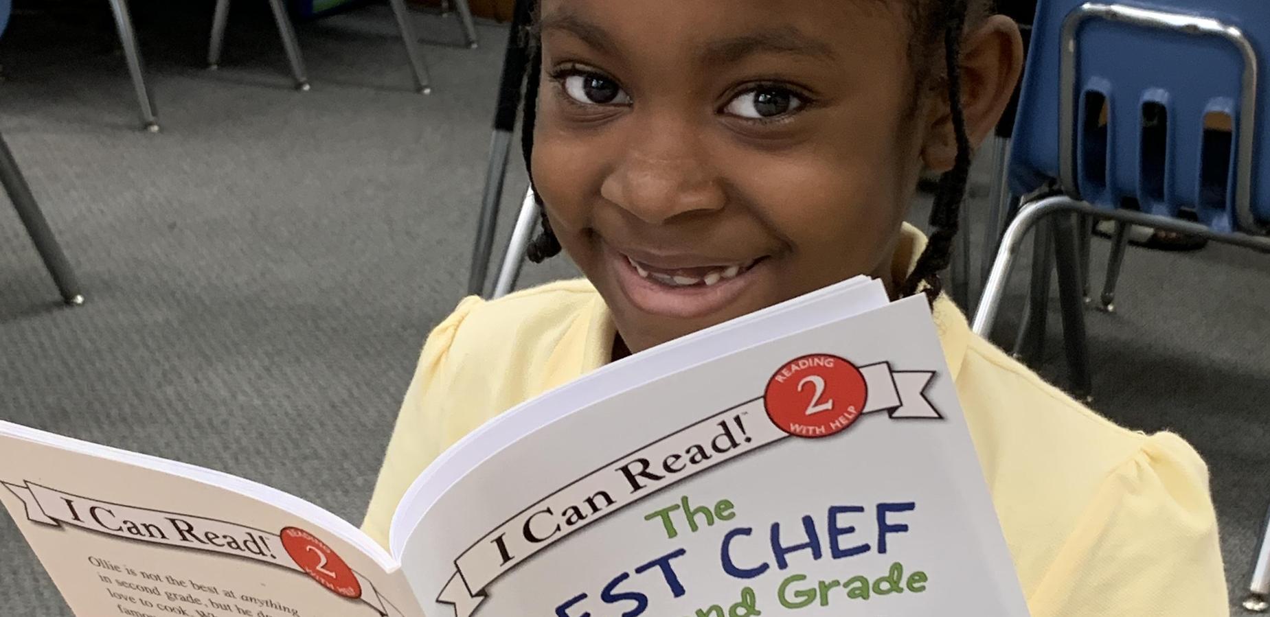 2nd grader reading