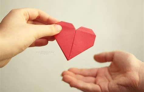 hands pass heart