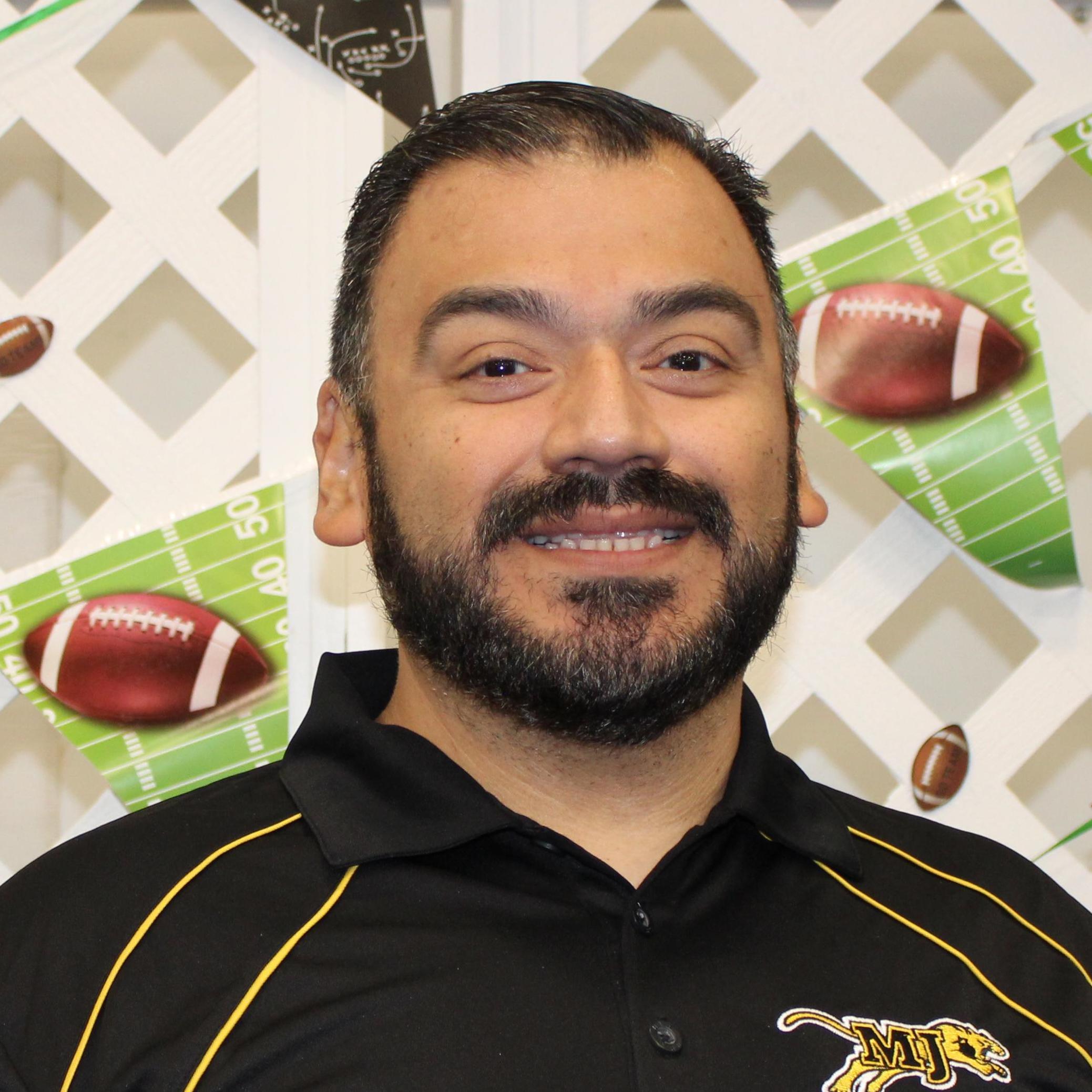 Juan Villela's Profile Photo
