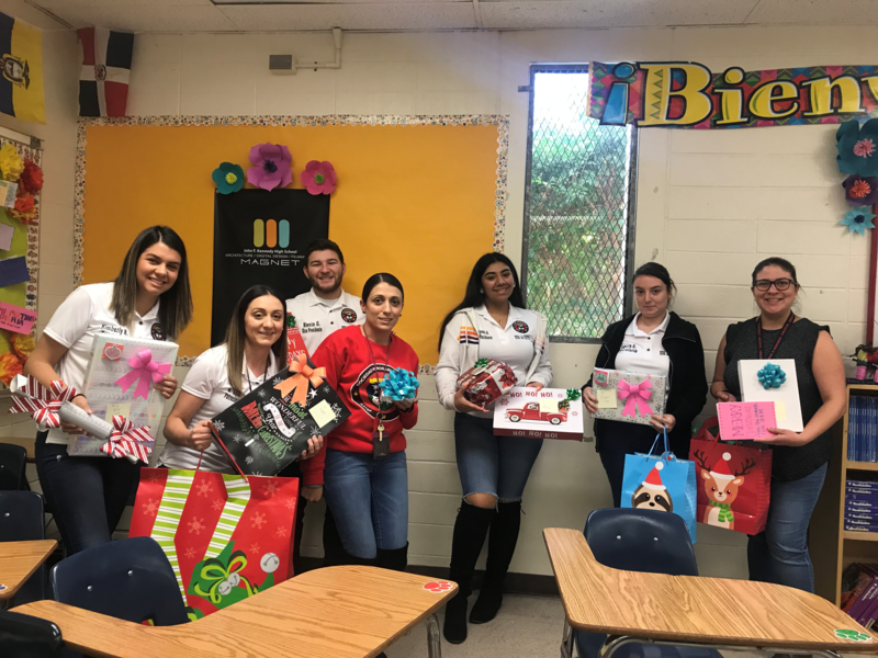 Cougars Know How to Show That Holiday Giving Spirit Featured Photo