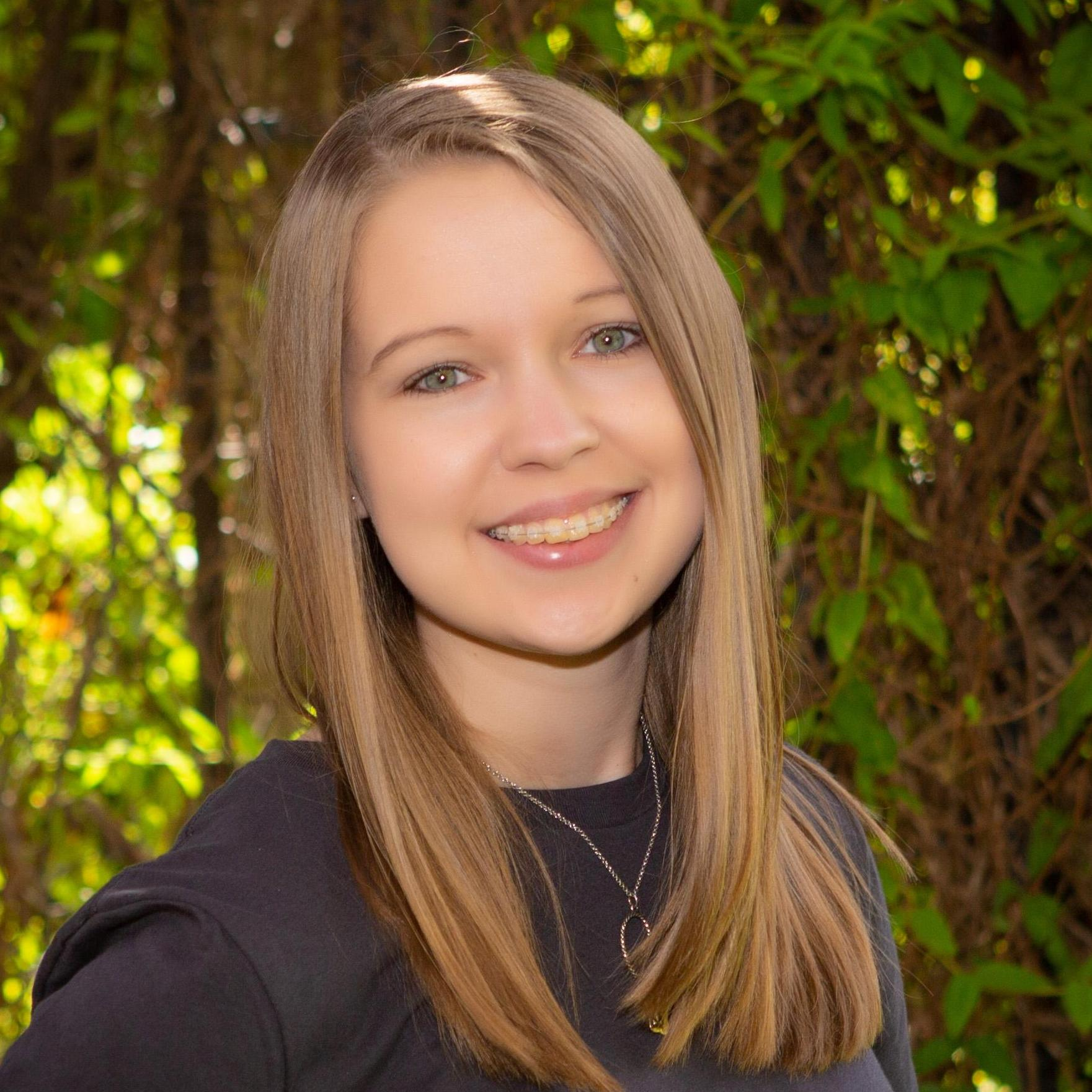 Natalie Cox's Profile Photo