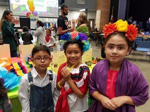 Children in Hispanic dress