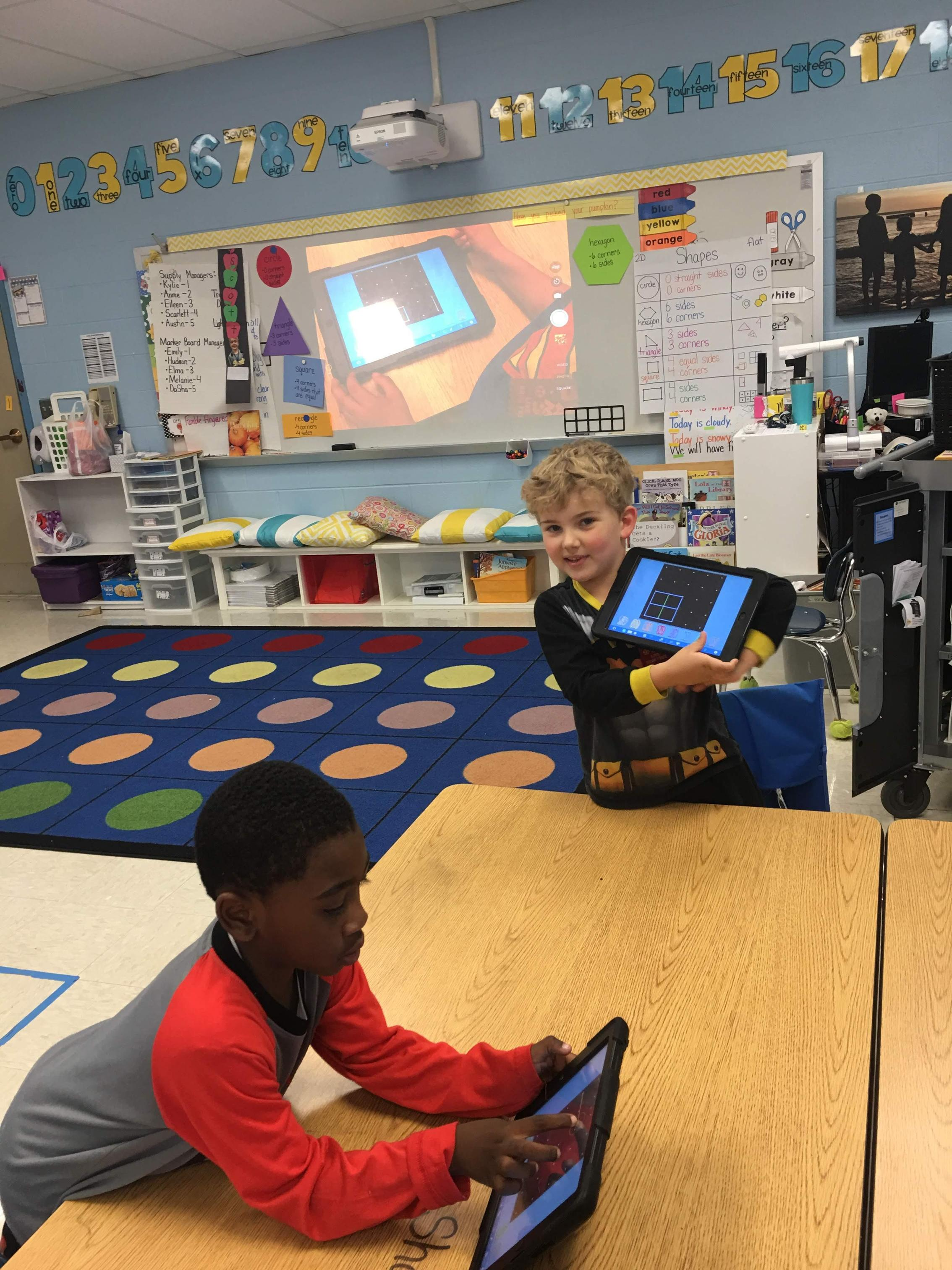 Geoboard app for K learning about shapes