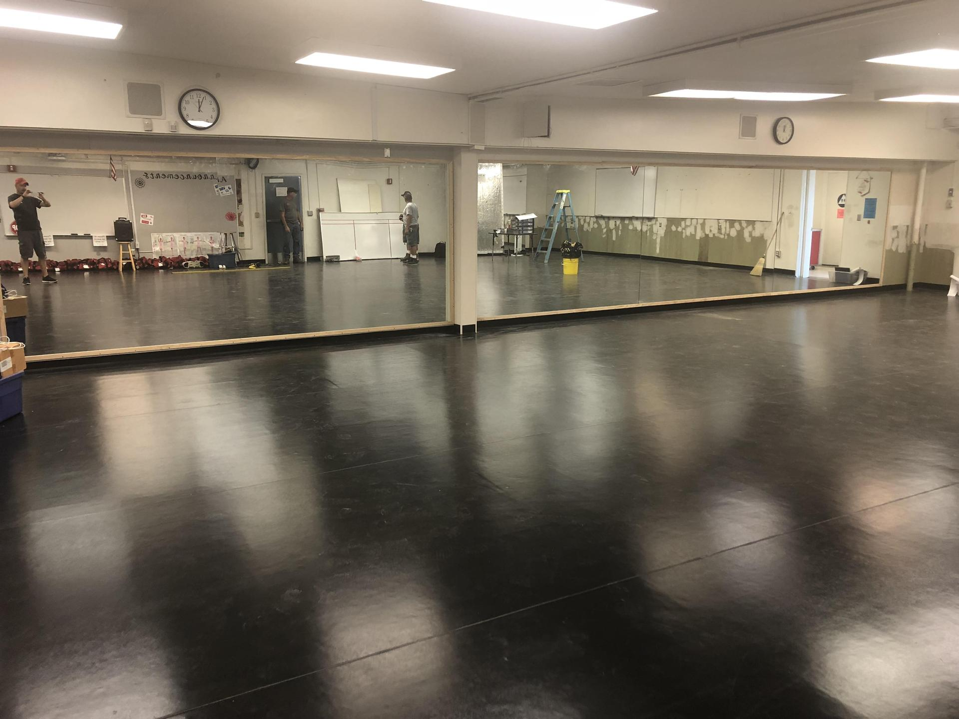 The new dance floor and mirrors are done at Nicolas...time to dance!