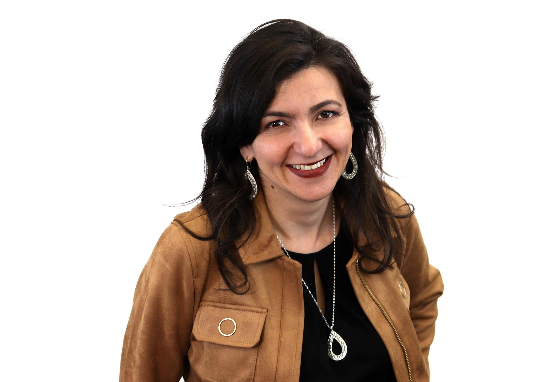 Dr. Ruzanna Hernandez