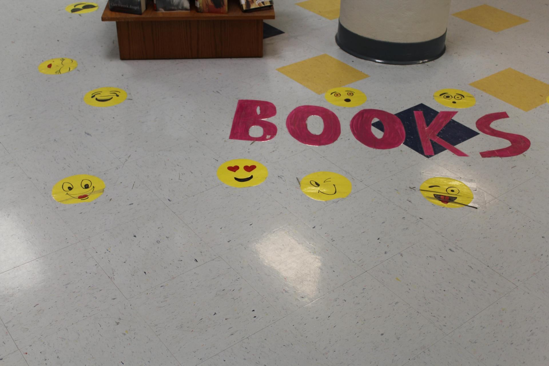 Smile Logo display GHS