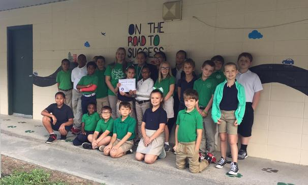 Mrs. Laura Francois' 4th grade homeroom was awarded a Certificate of Participation for making 34 perfect A.R. scored for the week of August 27- 31, 2018. The class has so far read 260,136 words since the beginning of the 2018-19 school year!  Congratulations!!