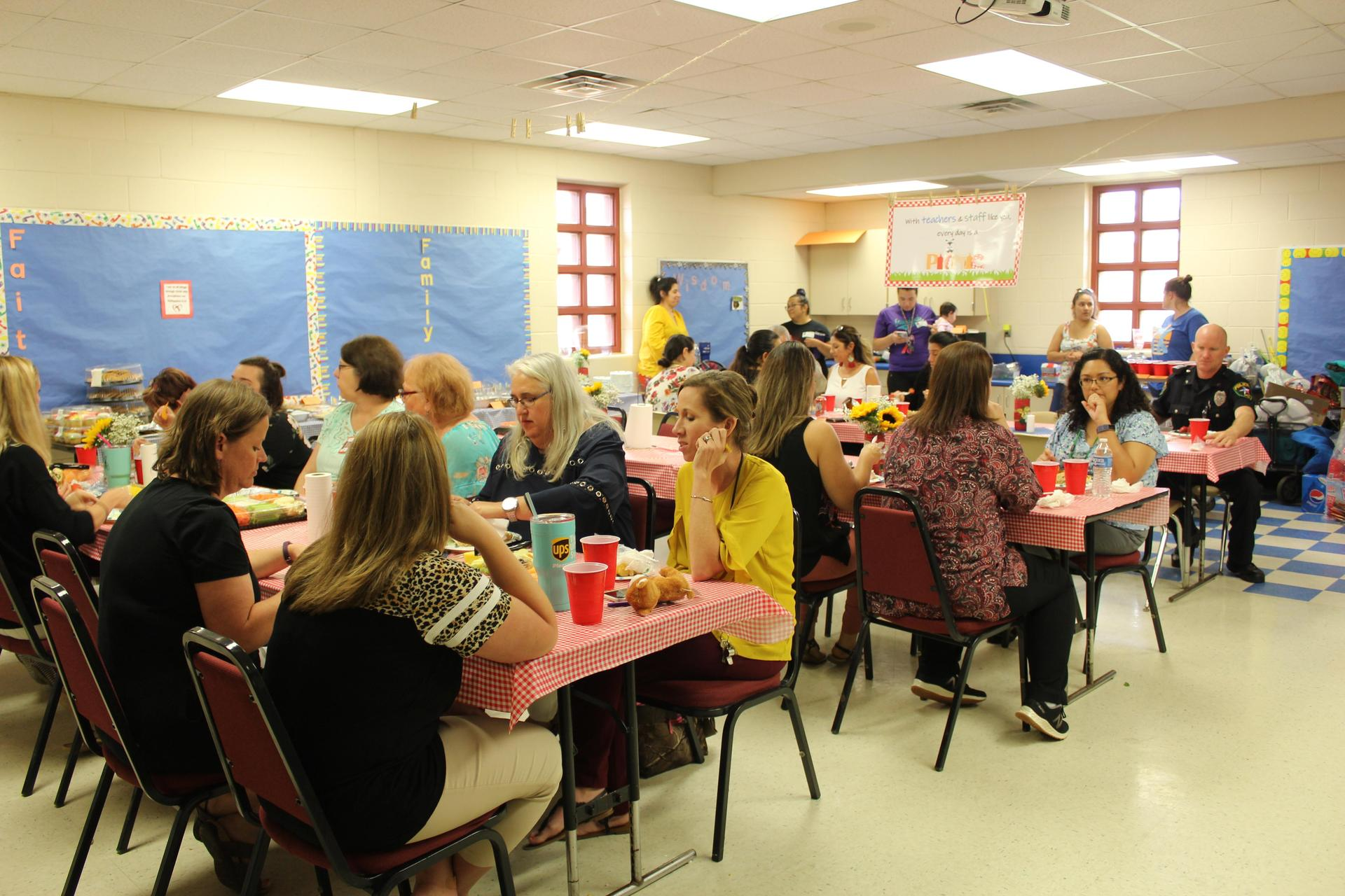 Primary teachers eating lunch
