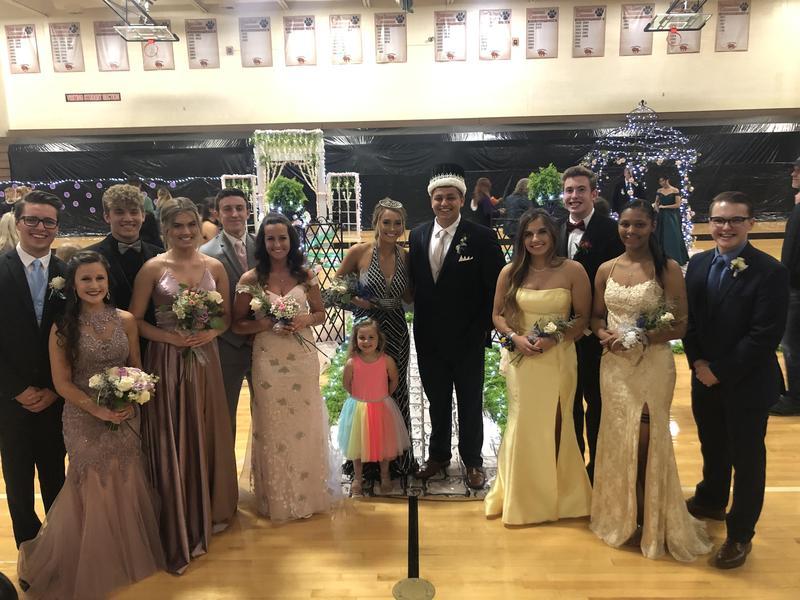 2019 Prom Court Image