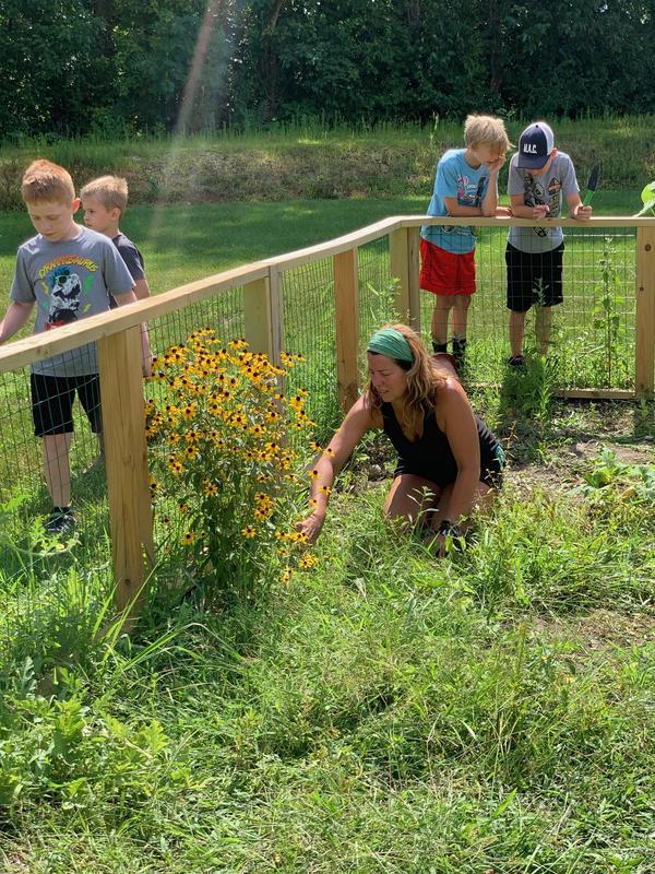 Garden Volunteers Featured Photo