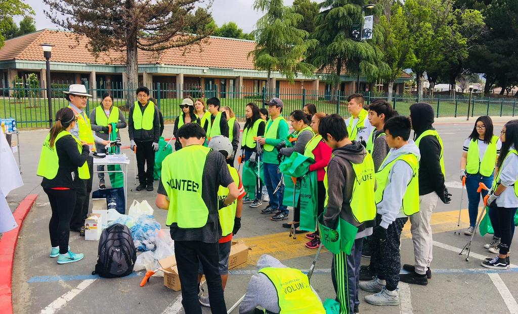 CCA students volunteer their weekend to help clean San Jose.