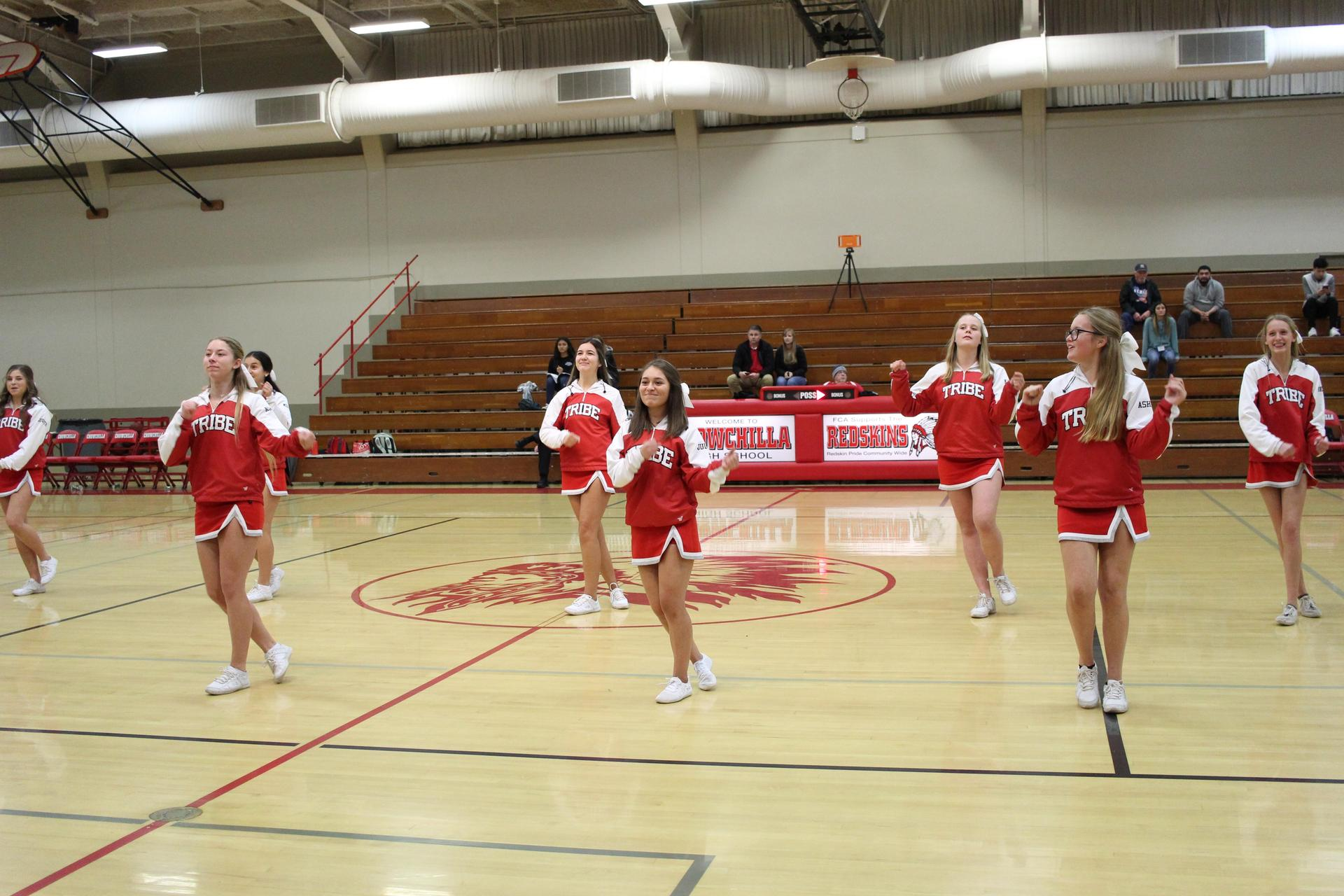 Junior varsity Cheer at basketball against Le Grand