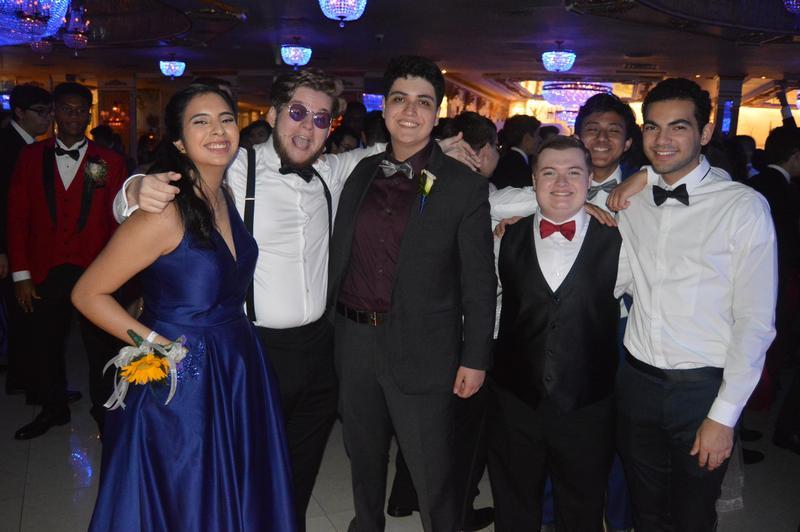 Senior Prom Photo Gallery Featured Photo