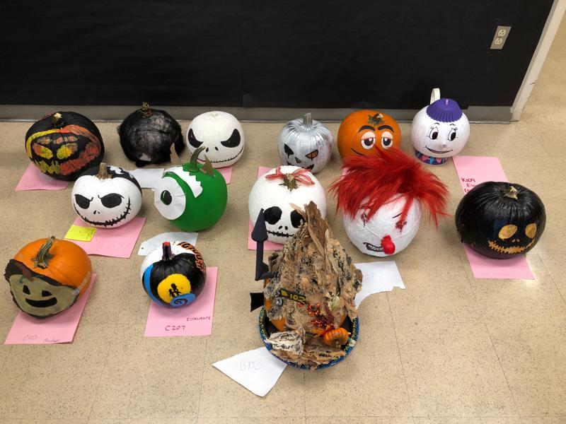Link Crew Sponsors Pumpkin Decorating Contest Featured Photo