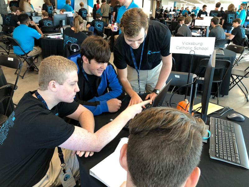 Flashes place within top 10 at C Spire coding competition Thumbnail Image