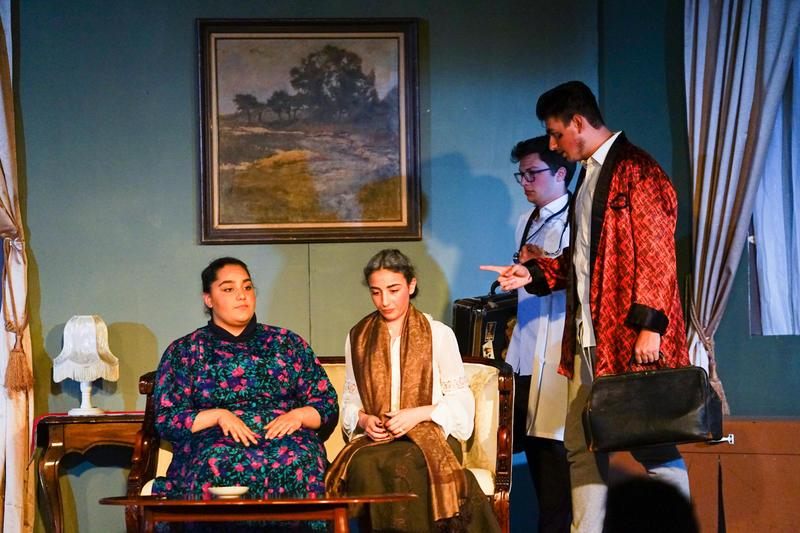 English Drama Presents Arsenic & Old Lace Featured Photo