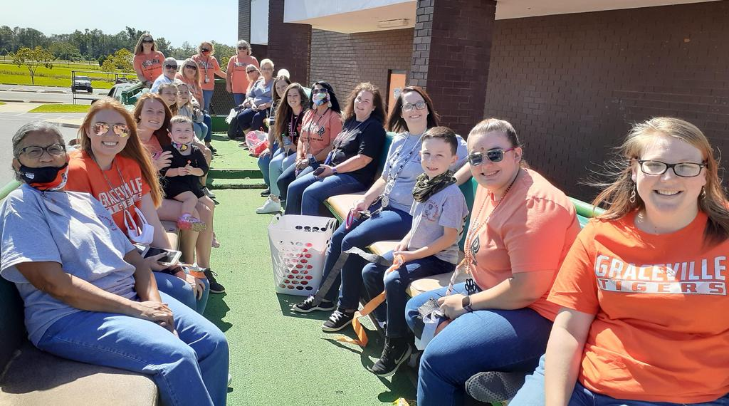 Picture of Graceville Faculty on homecoming float