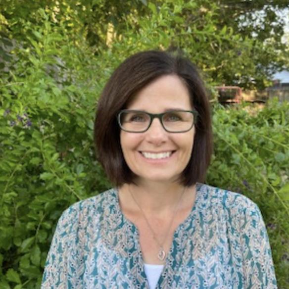Traci Lowe's Profile Photo