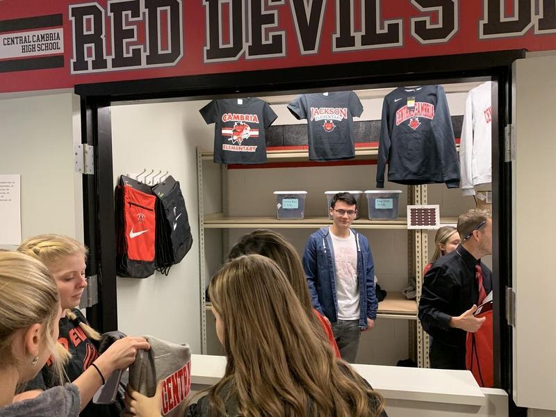 Red Devils Den