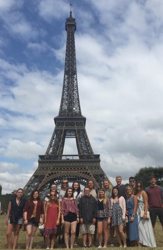 Pic of Knoch students at Eiffel Tower