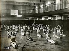 1937 Girls gym class