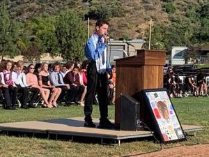 8th-grade student Ari Schneider addresses the class of 2019 at Castaic Middle School.