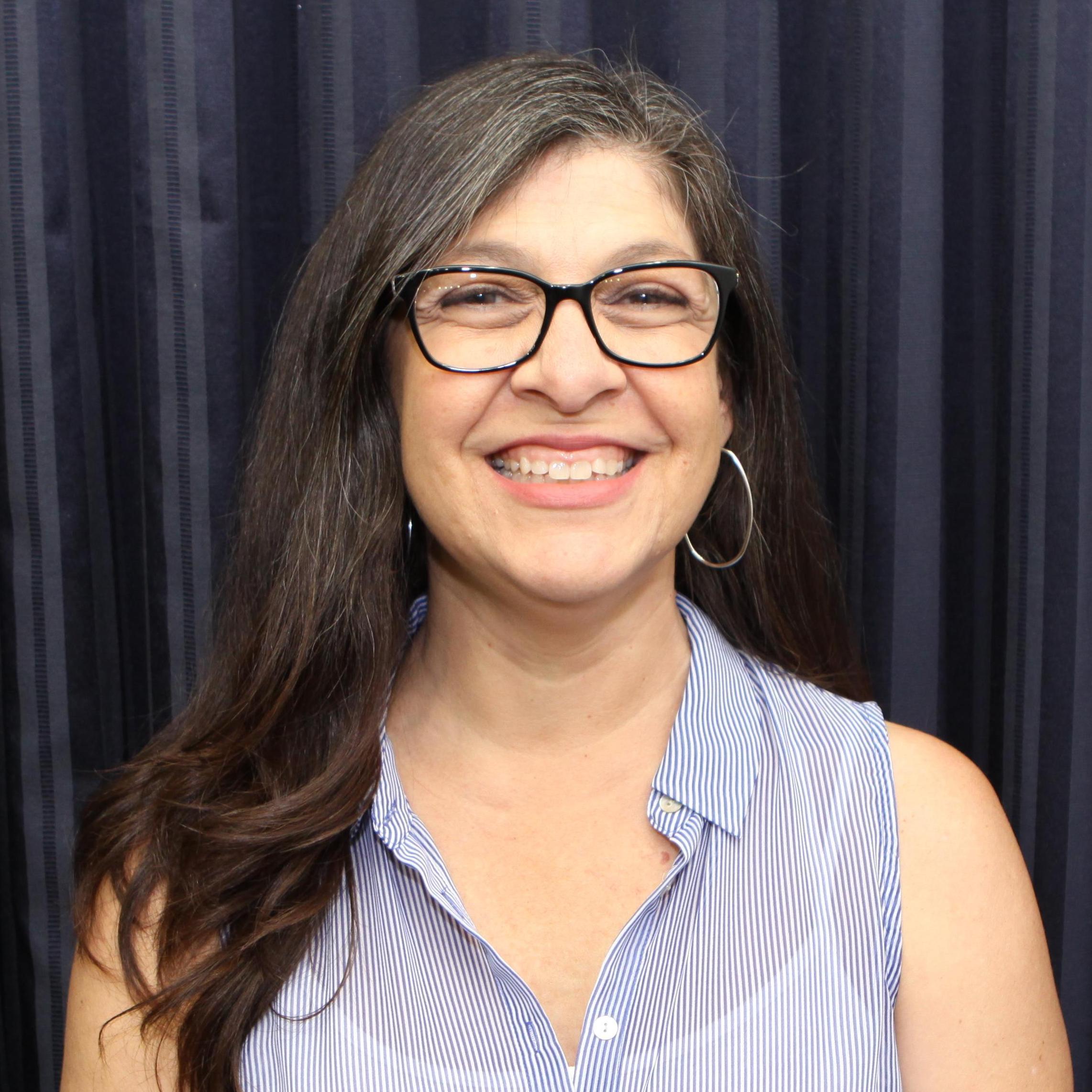 Elizabeth Fernandez '83's Profile Photo
