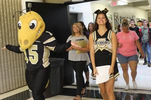 CHS cheerleader leads campus tours for new students