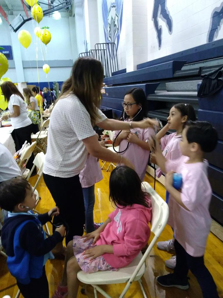 students learning to hear their own heart beats