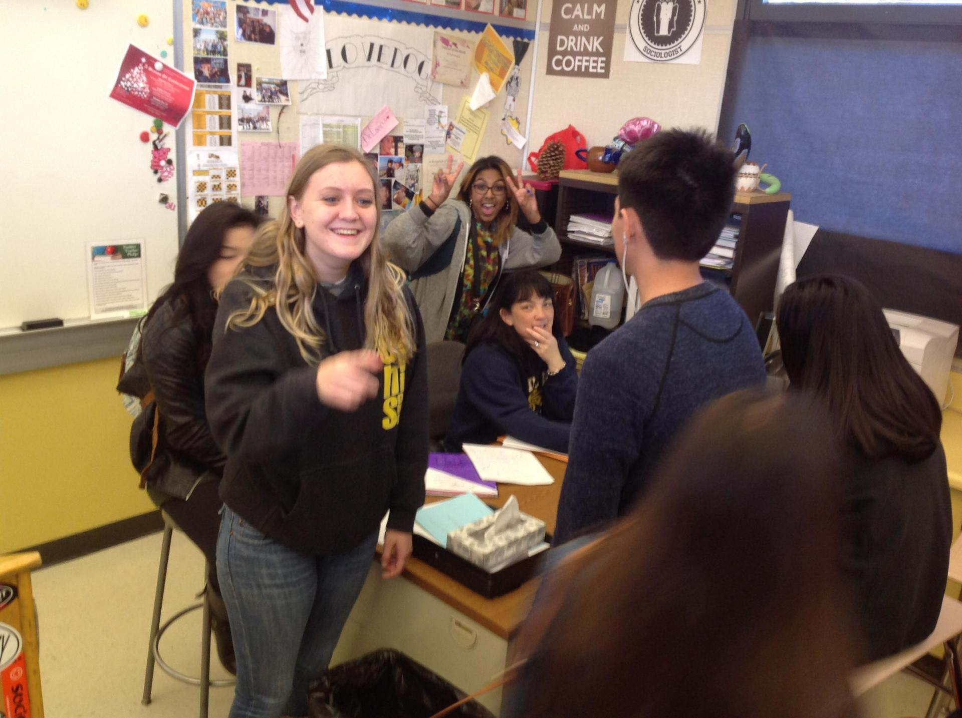 Image of Blanca Diaz with her students in Del Mar classroom.
