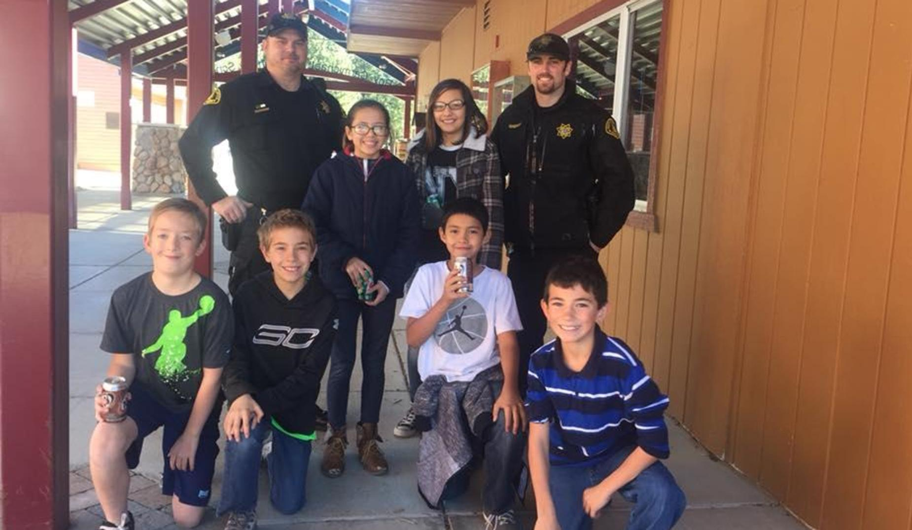 5th graders enjoying a Pop with a Cop