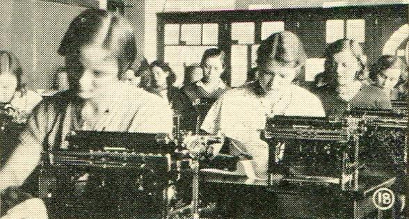 Office Practice class, commercial open house, 1932