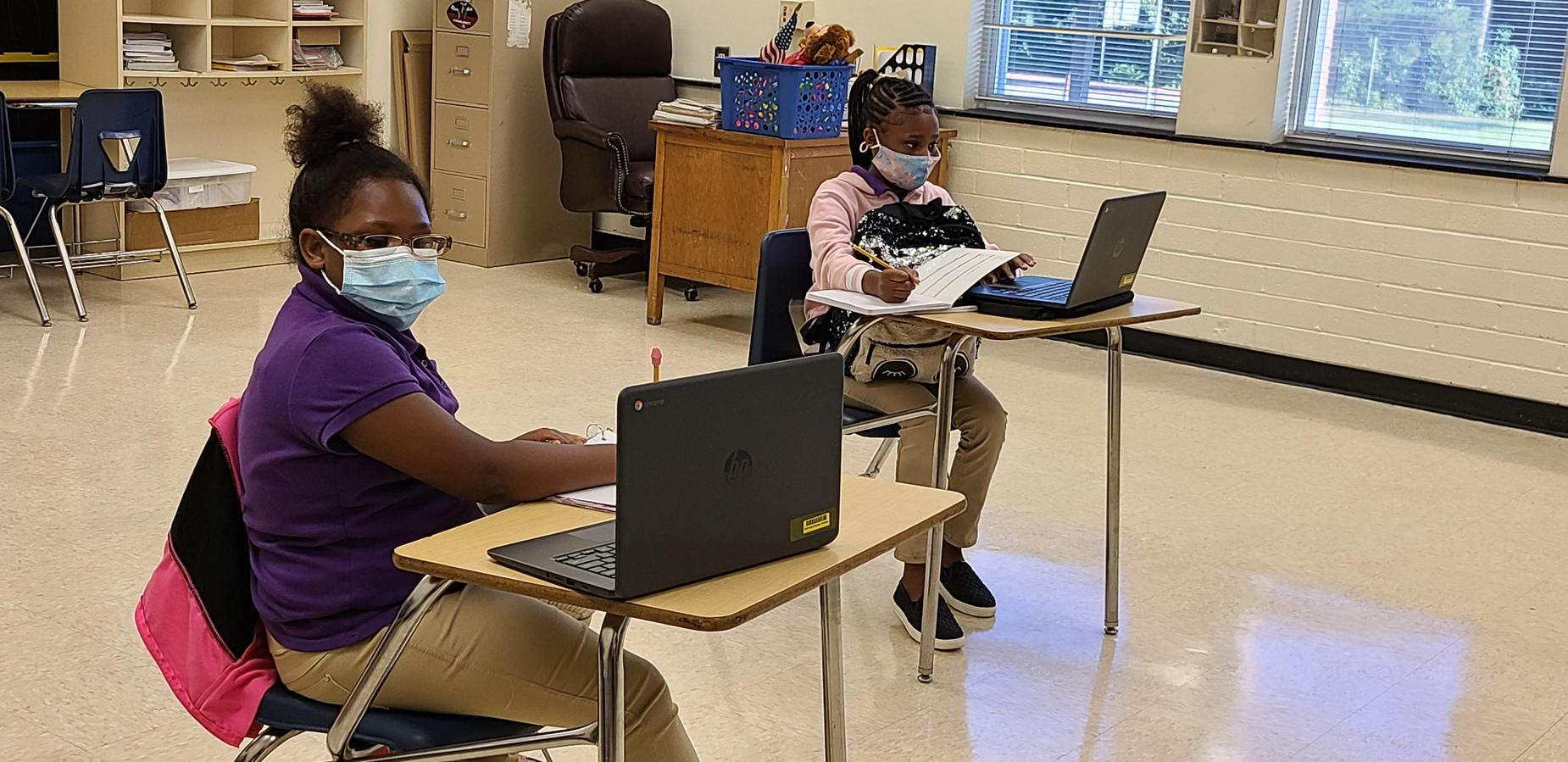 4th graders in the classroom.