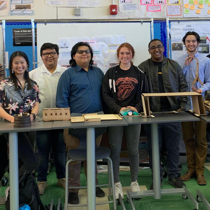 students in ib design tech class