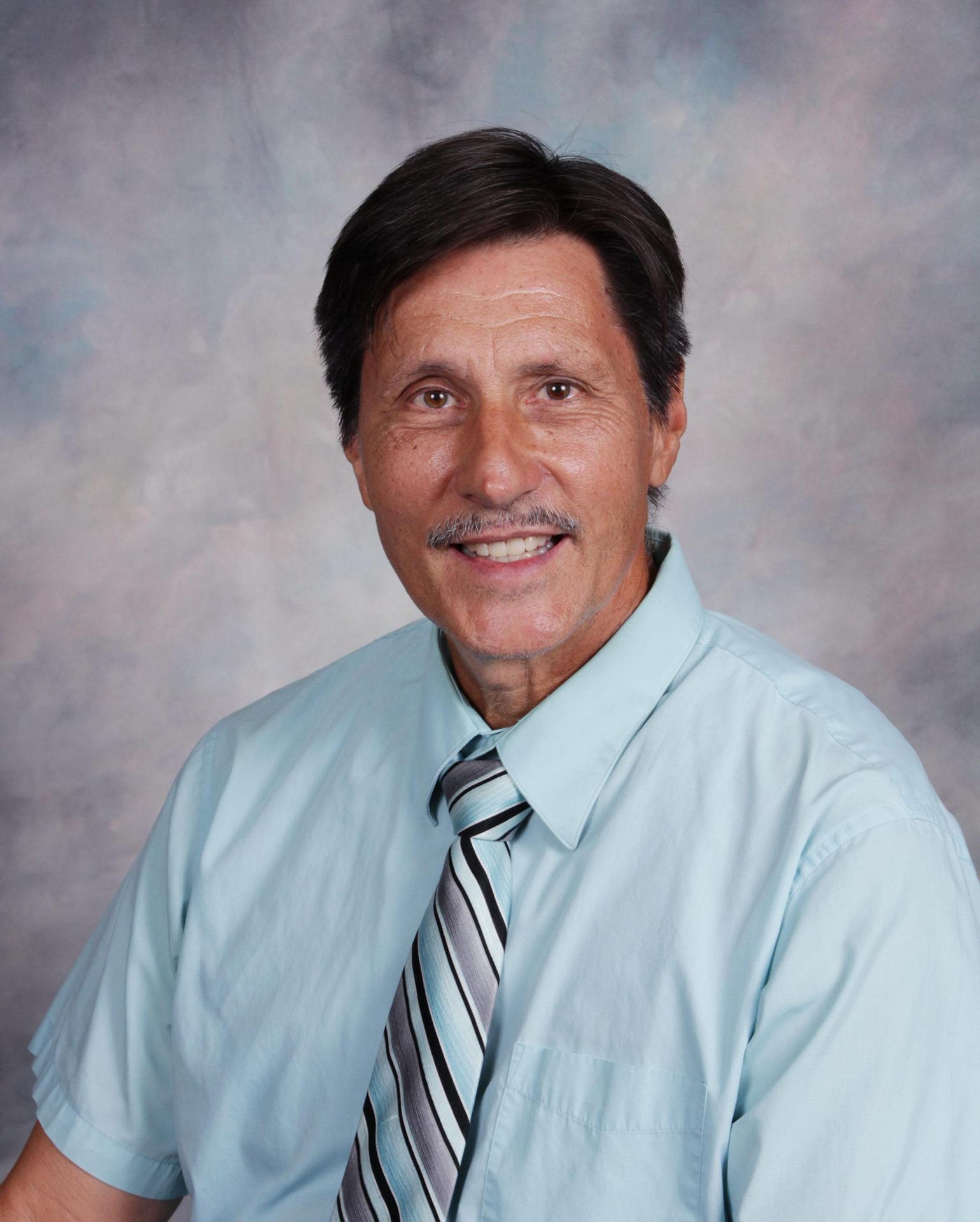 Robert R